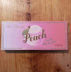 NEW Too Faced Sweet Peach Eye Shadow Palette